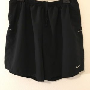 Nike Men's Dri-Fit Lined Shorts. XL